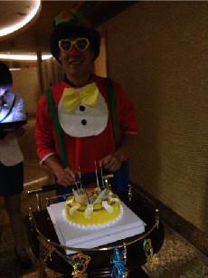 小丑送蛋糕 (生日礼物)生日惊喜